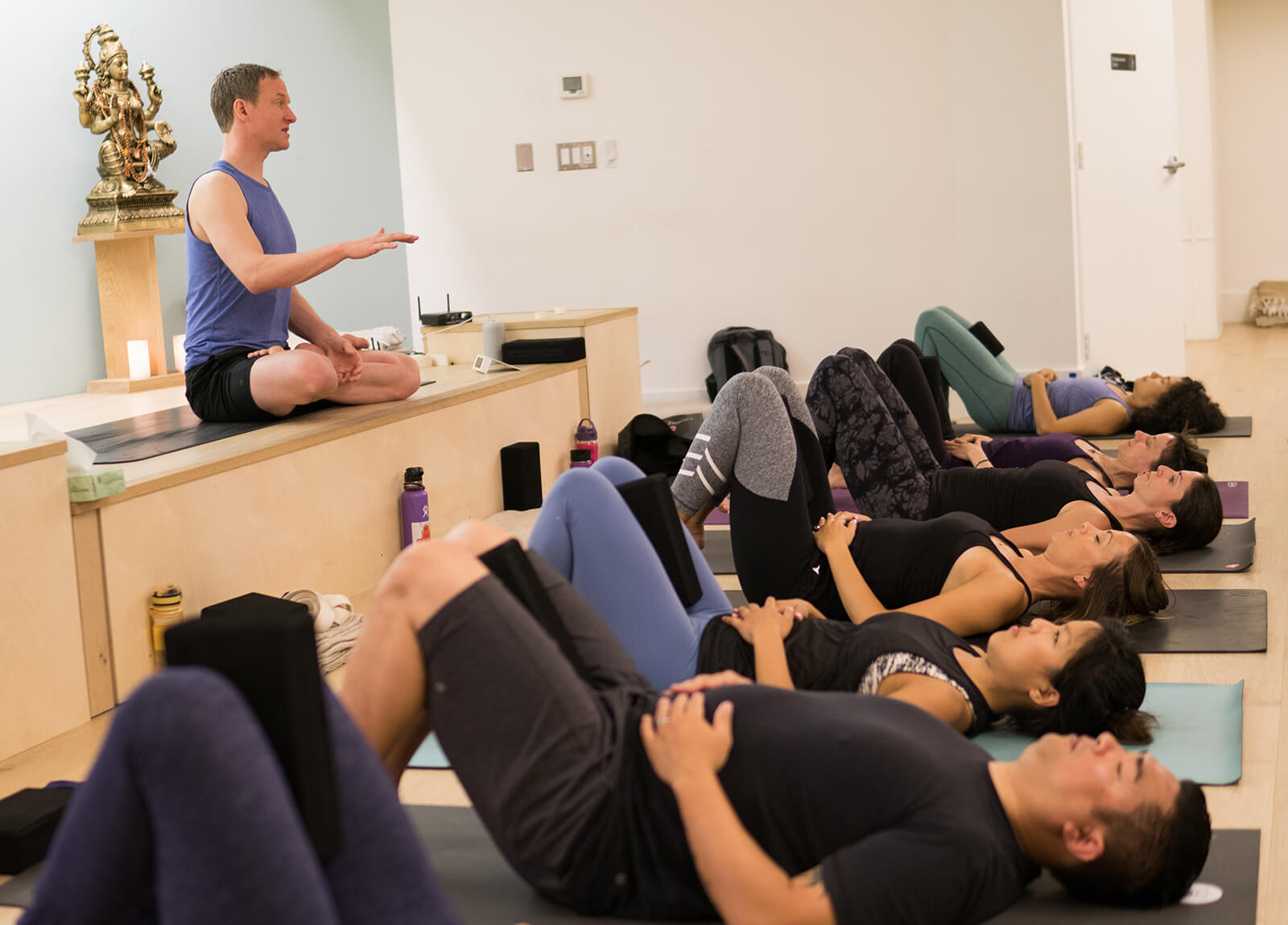 verbal cueing tips for yoga teachers